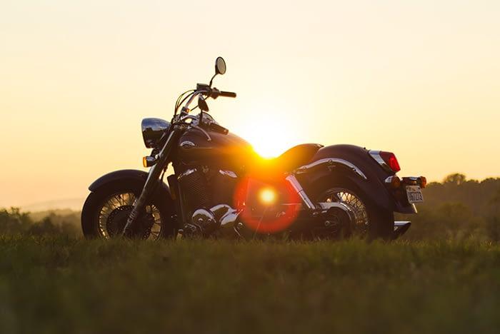 Harley-Davidson Motorrad im Sonnenuntergang