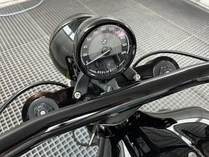 BMW R18 Custom Cockpit