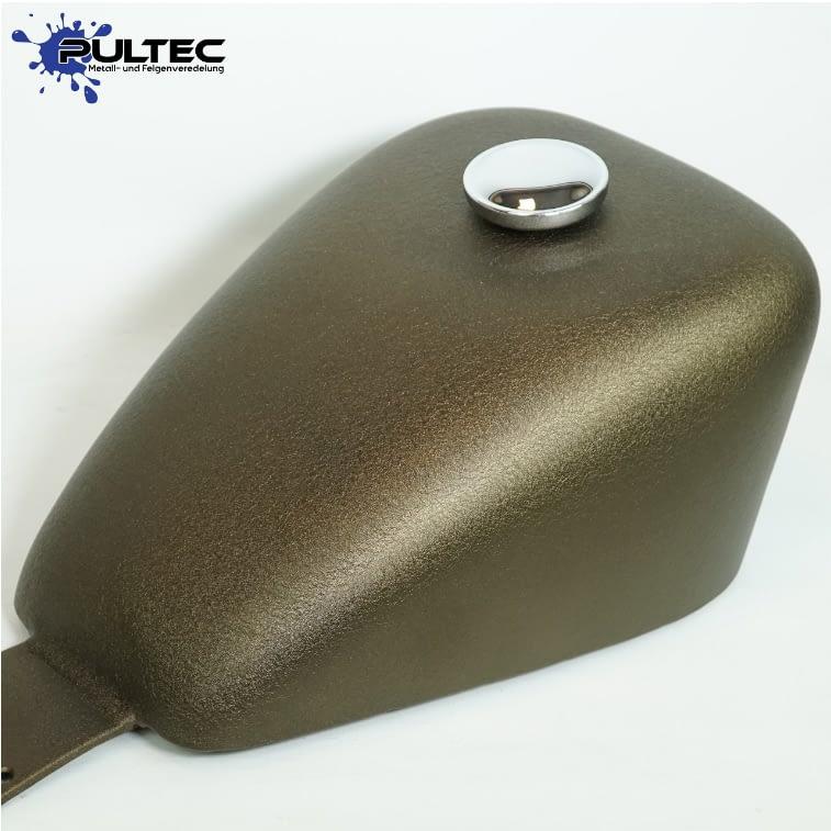 Tankdesign von Pultec bei der Motorradwerkstatt aus Ibbenbüren